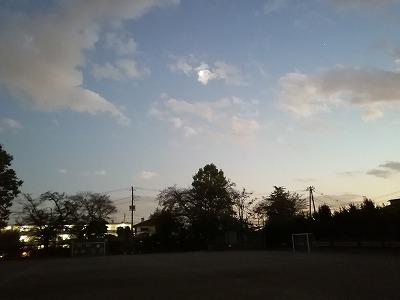 天文教室4年生 月、土星の観察 10月24日(土)