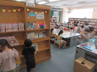 1年生 図書室へ行こう