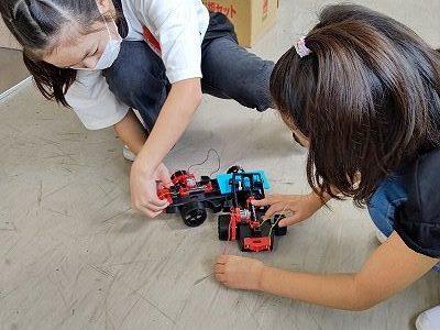 4年生総合「わたしたちの未来とろぼっと」(5)CAD?で設計図 ロボット作りスタート